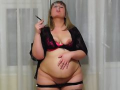 Fatty smokes and shows her belly