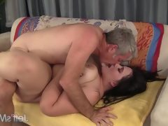 Pretty bbw becki butterfly gets her..