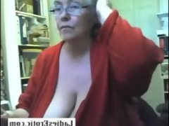 Fat granny skype show pussy