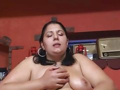 Bbw mature use a strapon and fucks