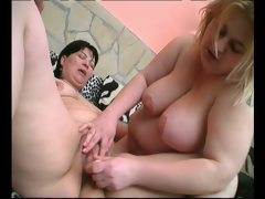 Fingering her fat pussy julia reaves